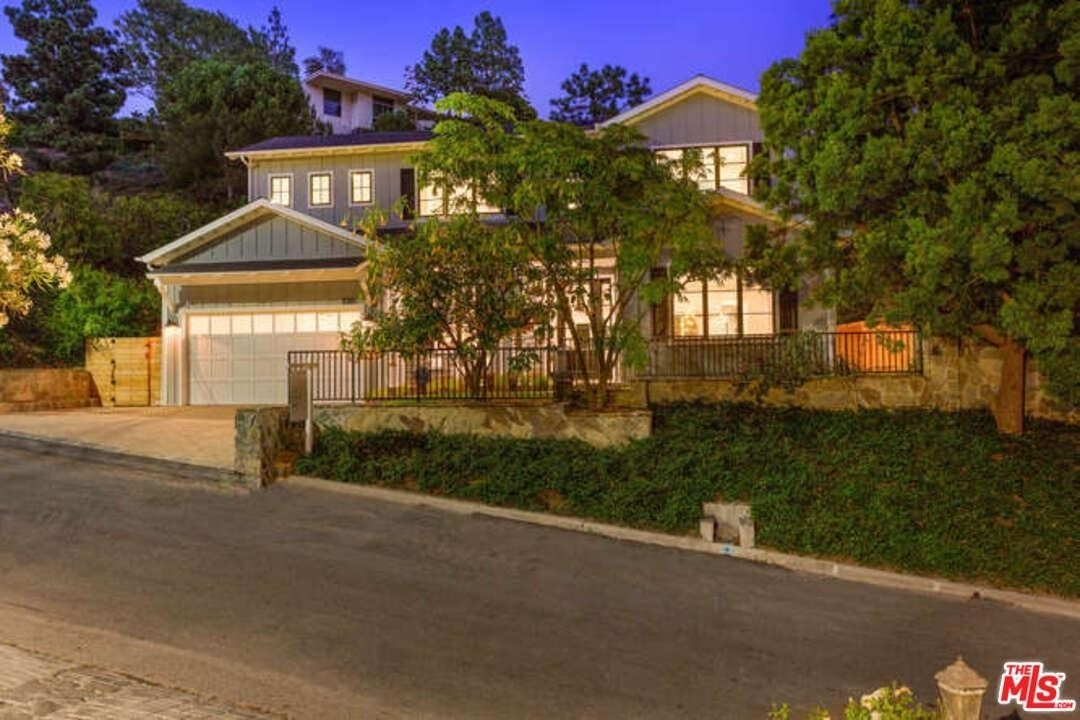 1. Single Family Homes at Beverly Hills