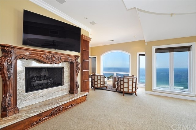 19. Single Family Homes for Sale at Redondo Beach, CA 90277