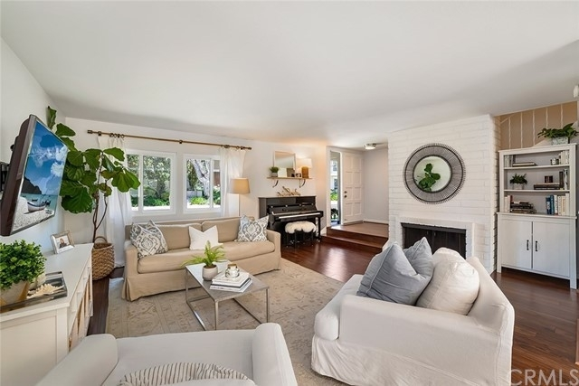 1. Single Family Homes por un Venta en North Bluff, Newport Beach, CA 92660