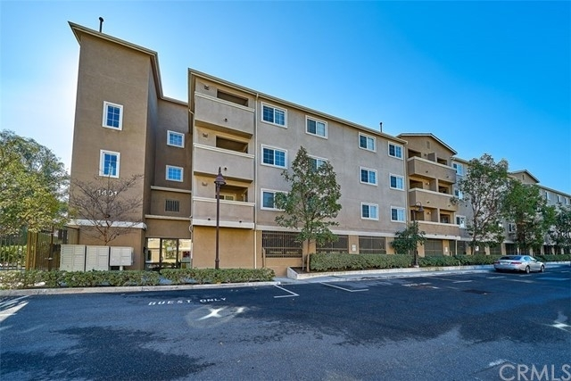 Condominium 在 1401 Lomita Boulevard, 304 Harbor City, CA 90710