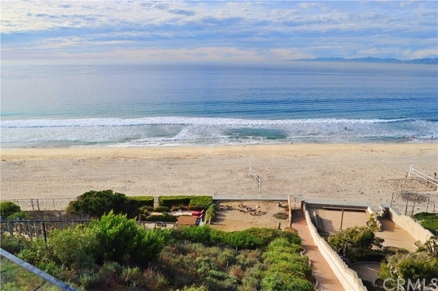 6. Single Family Homes for Sale at Redondo Beach, CA 90277