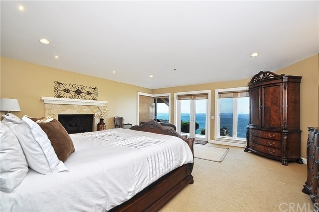 22. Single Family Homes for Sale at Redondo Beach, CA 90277