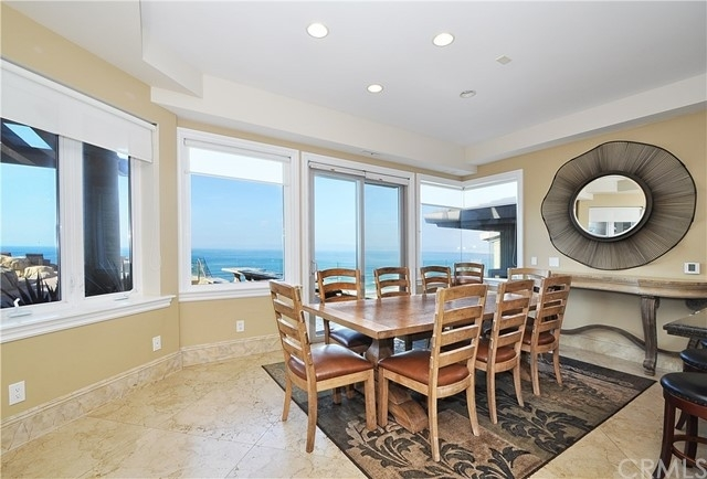 12. Single Family Homes for Sale at Redondo Beach, CA 90277