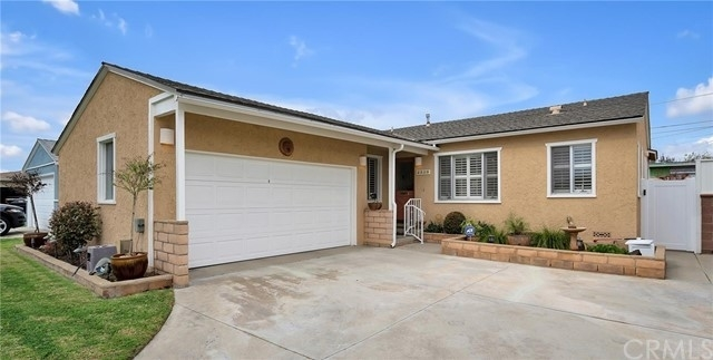 Single Family Home for Sale at Holly Glen, Hawthorne, CA 90250