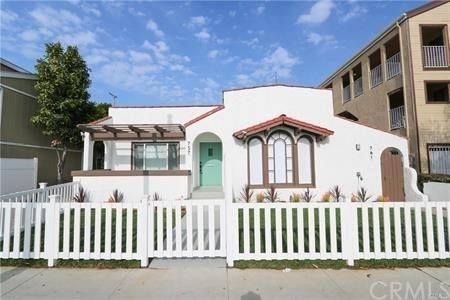 Multi Family Townhouse for Sale at Rose Park, Long Beach, CA 90804
