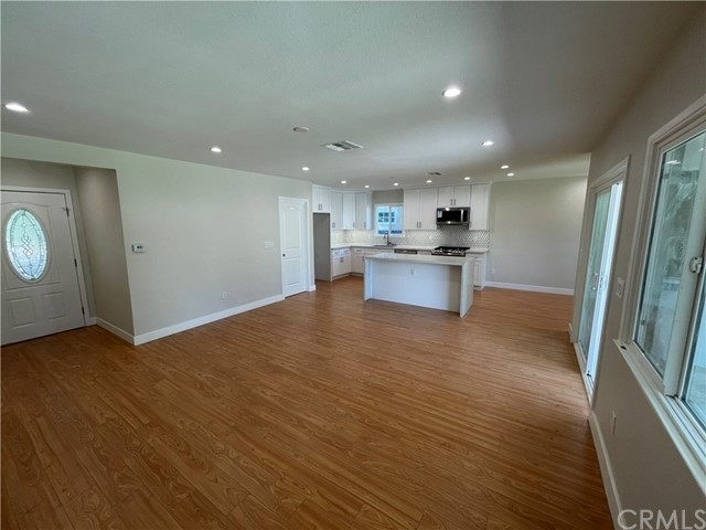 Single Family Home for Sale at San Fernando, CA 91344