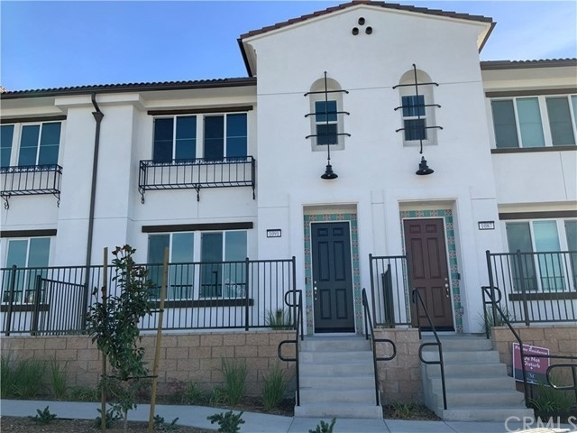 Single Family Townhouse at Upland, CA 91786