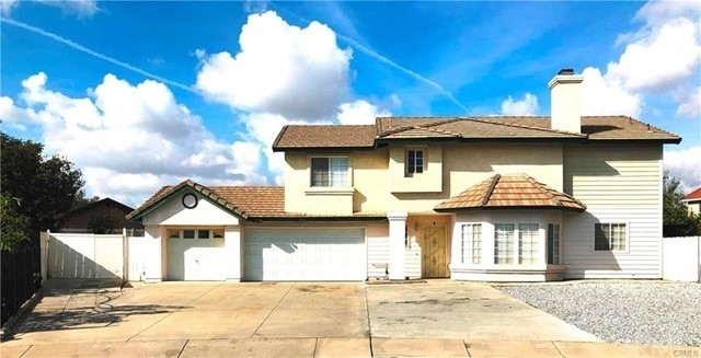 Multi Family Townhouse for Sale at Rialto, CA 92376