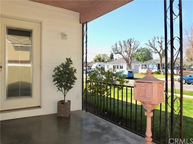Single Family Home for Sale at Plaza West, Long Beach, CA 90808
