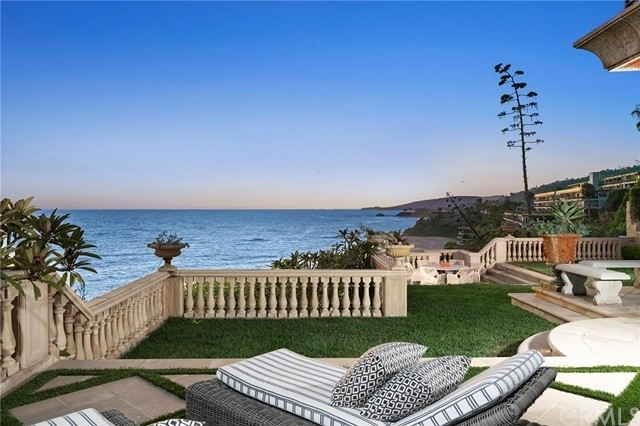 Single Family Home for Sale at South Laguna Bluffs, Laguna Beach, CA 92651
