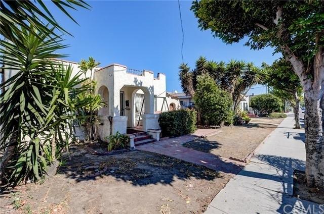 Multi Family Townhouse for Sale at San Pedro, CA 90731