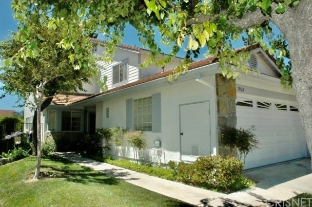 Single Family Townhouse at Porter Ranch, CA 91326