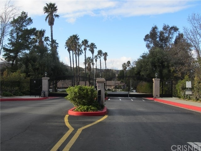 Single Family Townhouse for Sale at Scenic Hills, Newhall, CA 91321