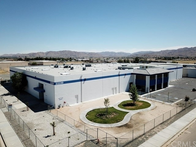 Comercial / Oficina por un Venta en Apple Valley, CA 92308