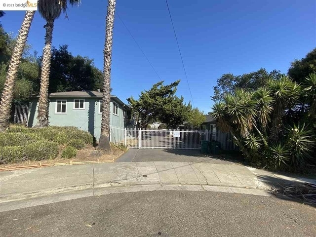 Multi Family Townhouse for Sale at San Antonio, Oakland, CA 94601