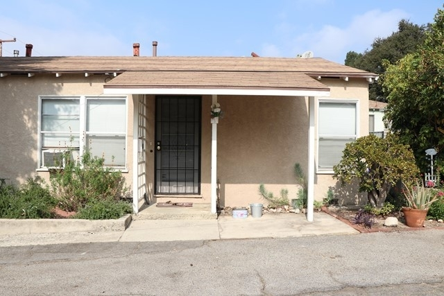Multi Family Townhouse for Sale at Montrose, CA 91020
