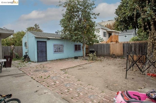 9. Multi Family Townhouse for Sale at Patten, Oakland, CA 94601