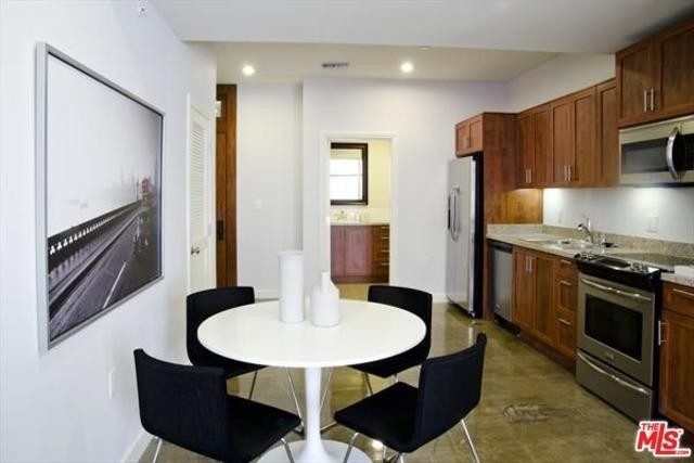22. Rentals at 315 W 5th St, 804 Los Angeles