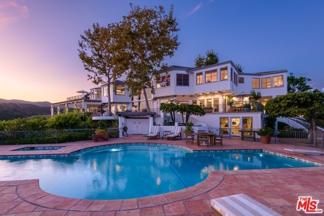 12. Single Family Homes for Sale at Brentwood, Los Angeles, CA 90049