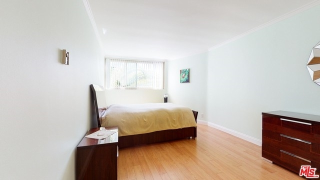 27. Rentals en 530 S Barrington Ave, 304 Los Angeles