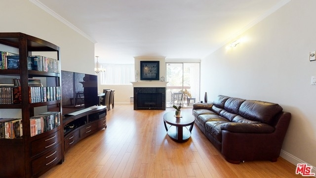 3. Rentals en 530 S Barrington Ave, 304 Los Angeles