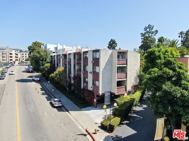 36. Rentals en 530 S Barrington Ave, 304 Los Angeles