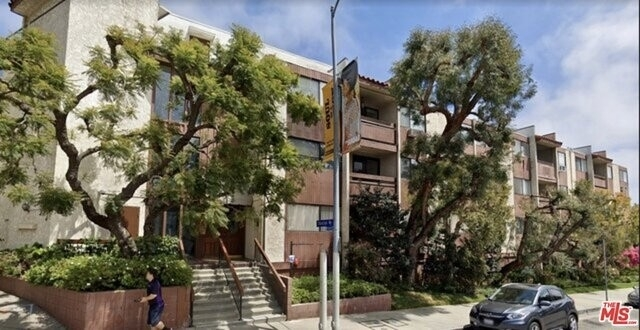 Property at 530 S Barrington Ave, 304 Los Angeles