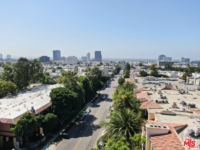 39. Rentals en 530 S Barrington Ave, 304 Los Angeles