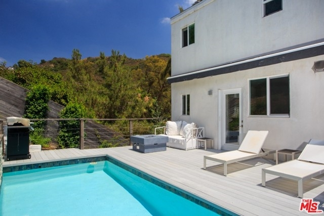 17. Rentals at Beverly Hills