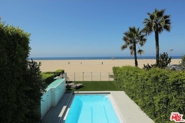Rentals at North Of Montana, Santa Monica
