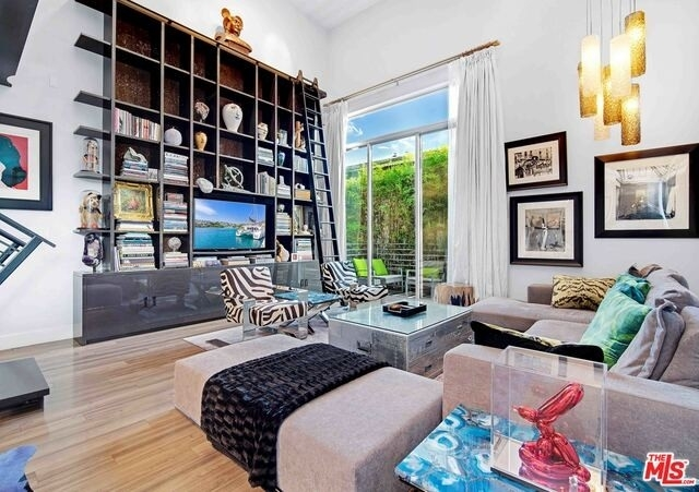 Property at 1220 N Orange Grove Ave, 12 West Hollywood