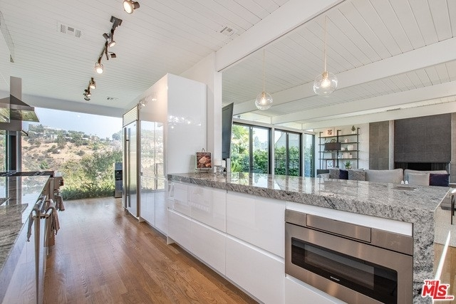 8. Rentals at Brentwood, Los Angeles