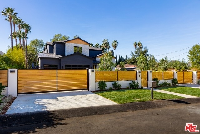 1. Single Family Homes at Tarzana