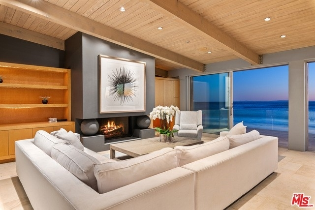 36. Single Family Homes 為 特賣 在 Eastern Malibu, Malibu, CA 90265