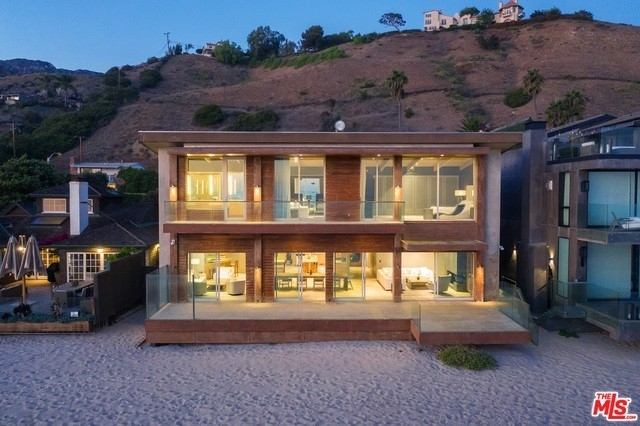 32. Single Family Homes 為 特賣 在 Eastern Malibu, Malibu, CA 90265