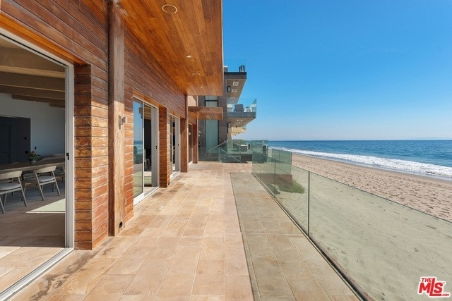 10. Single Family Homes 為 特賣 在 Eastern Malibu, Malibu, CA 90265
