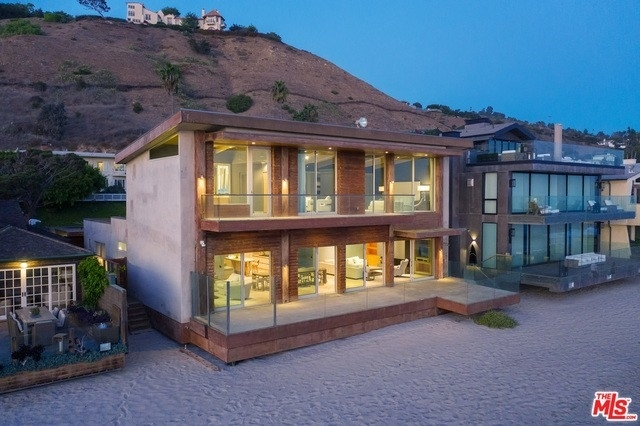 33. Single Family Homes 為 特賣 在 Eastern Malibu, Malibu, CA 90265