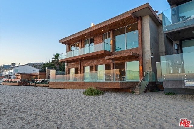 31. Single Family Homes 為 特賣 在 Eastern Malibu, Malibu, CA 90265