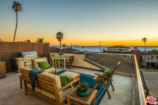 Single Family Home for Sale at Playa Del Rey, CA 90293