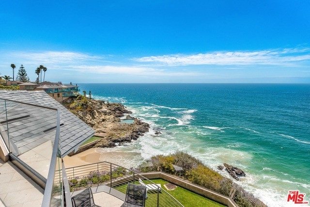 30. Single Family Homes for Sale at Three Arch Bay, Laguna Beach, CA 92651