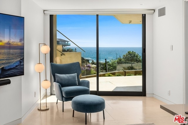 40. Single Family Homes for Sale at Three Arch Bay, Laguna Beach, CA 92651