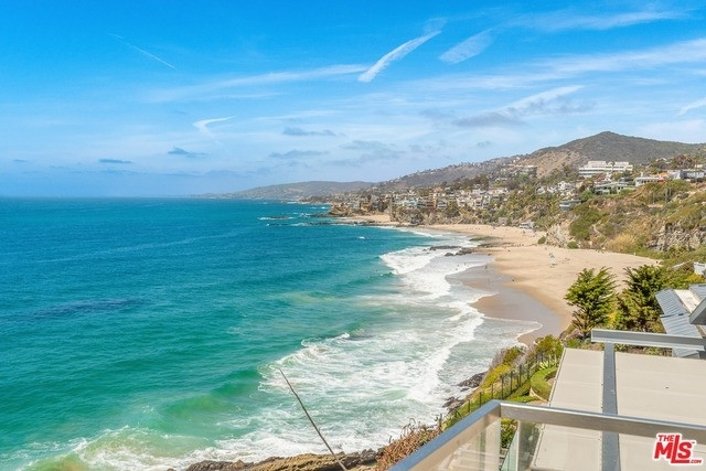 29. Single Family Homes for Sale at Three Arch Bay, Laguna Beach, CA 92651