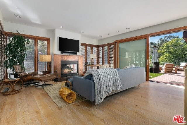 11. Single Family Homes for Sale at Beverly Hills, CA 90210