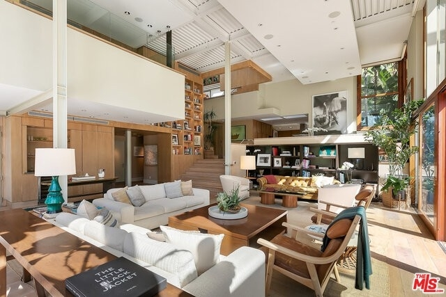 4. Single Family Homes for Sale at Beverly Hills, CA 90210
