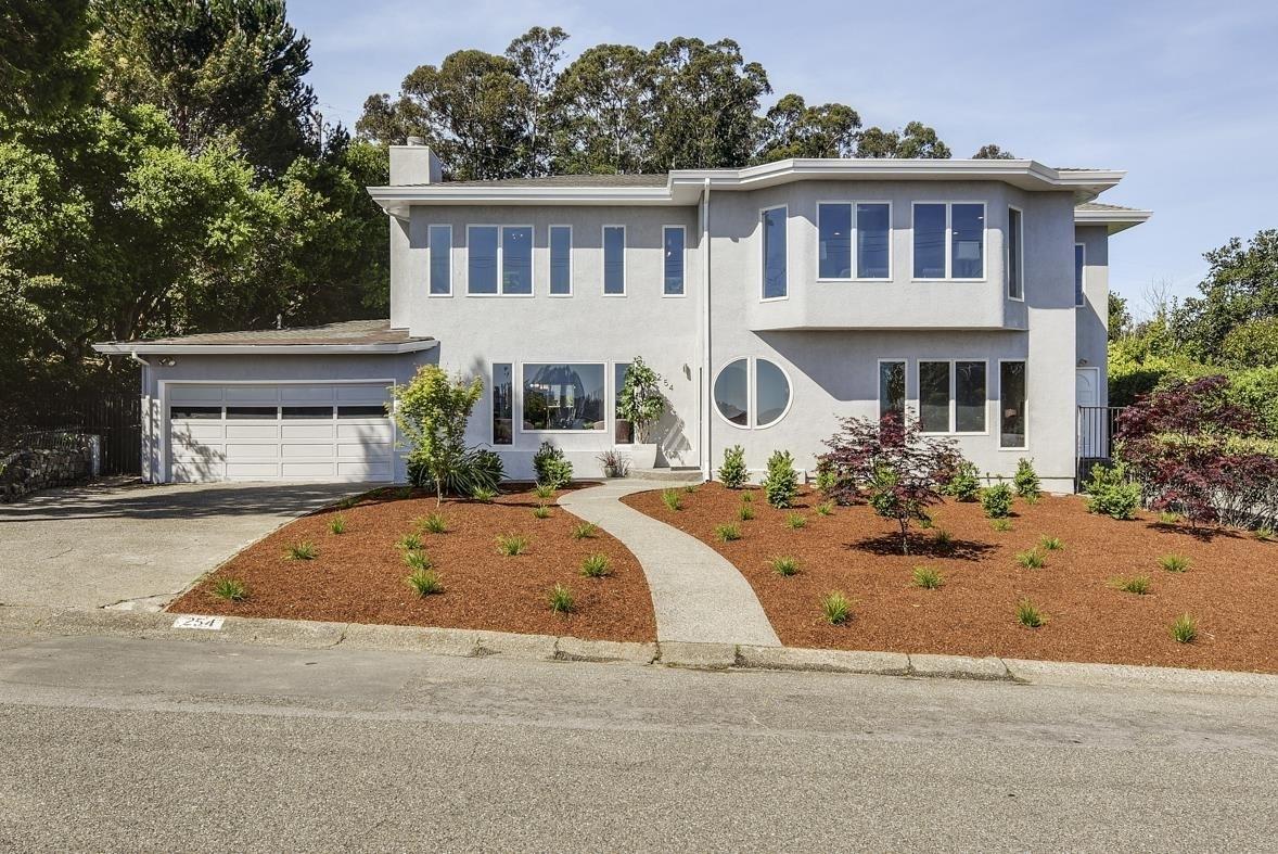Property в Strawberry, Mill Valley, CA 94941