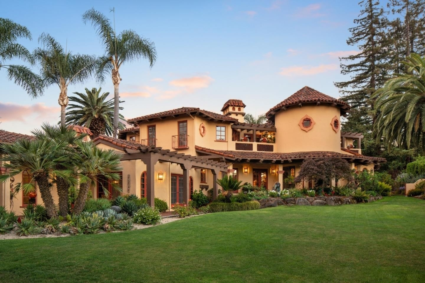 Vivienda unifamiliar por un Venta en Country Club, Los Altos, CA 94024