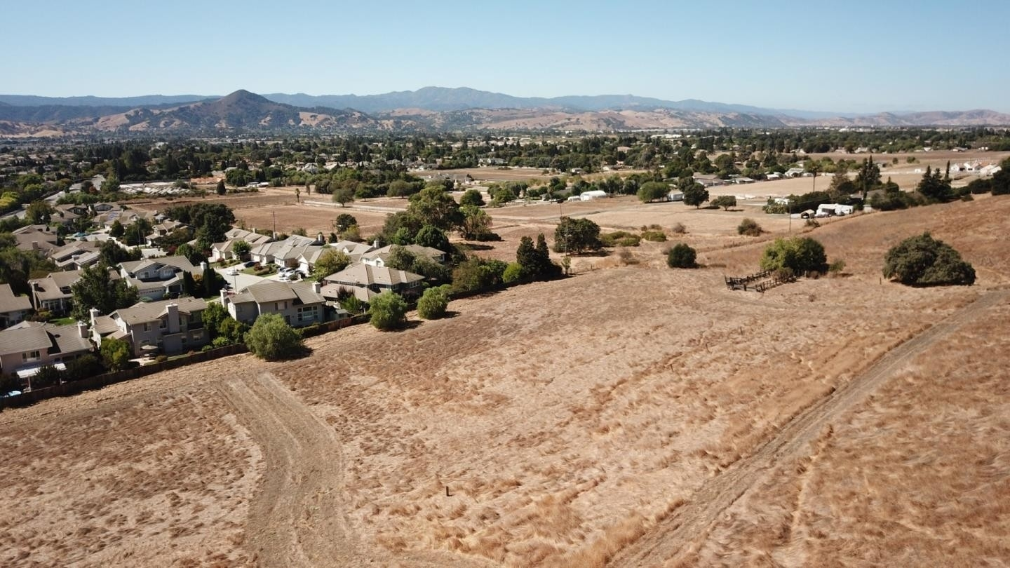 Single Family Home for Sale at Morgan Hill, CA 95037