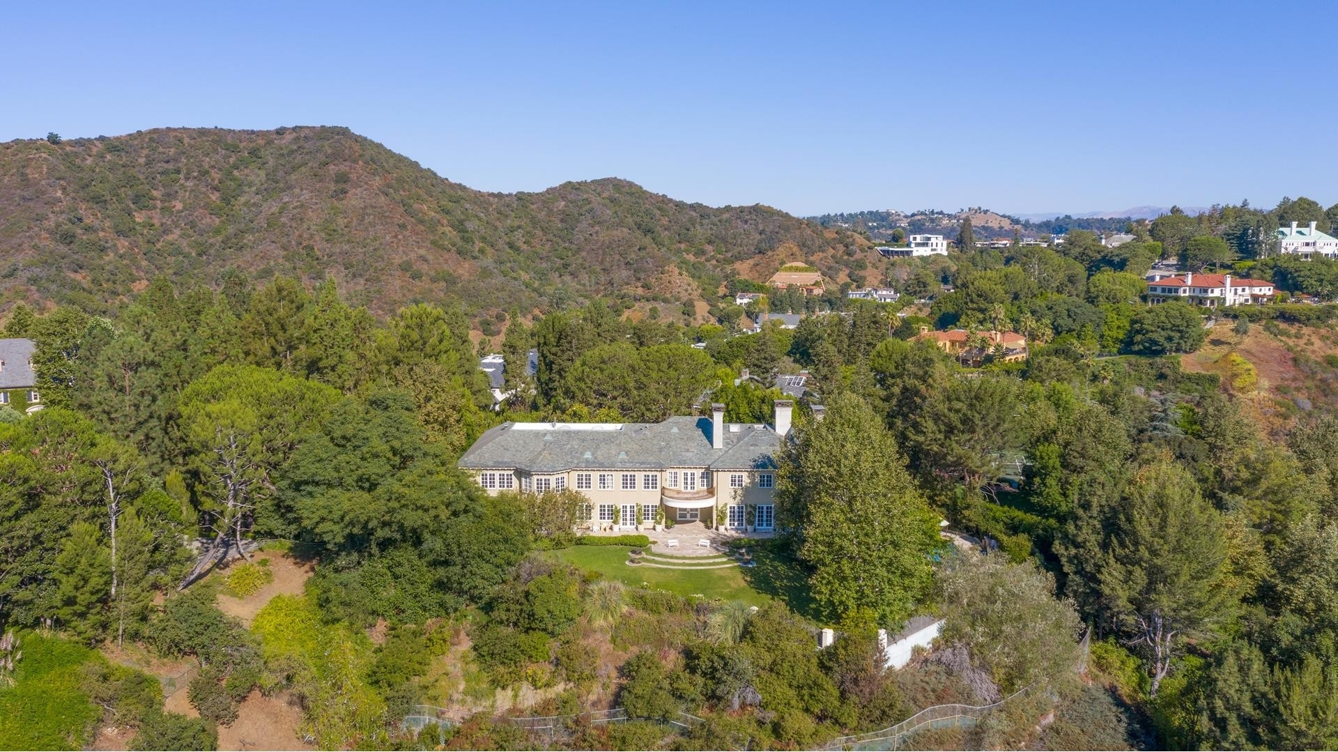 29. Single Family Homes for Sale at Beverly Hills, CA 90210