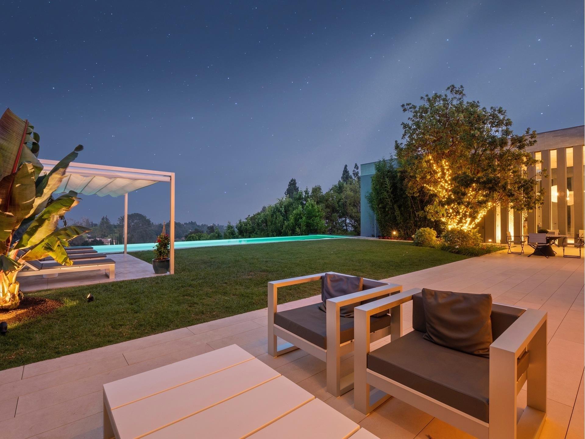 37. Single Family Homes для того Продажа на Bel Air, Лос-Анджелес, CA 90077