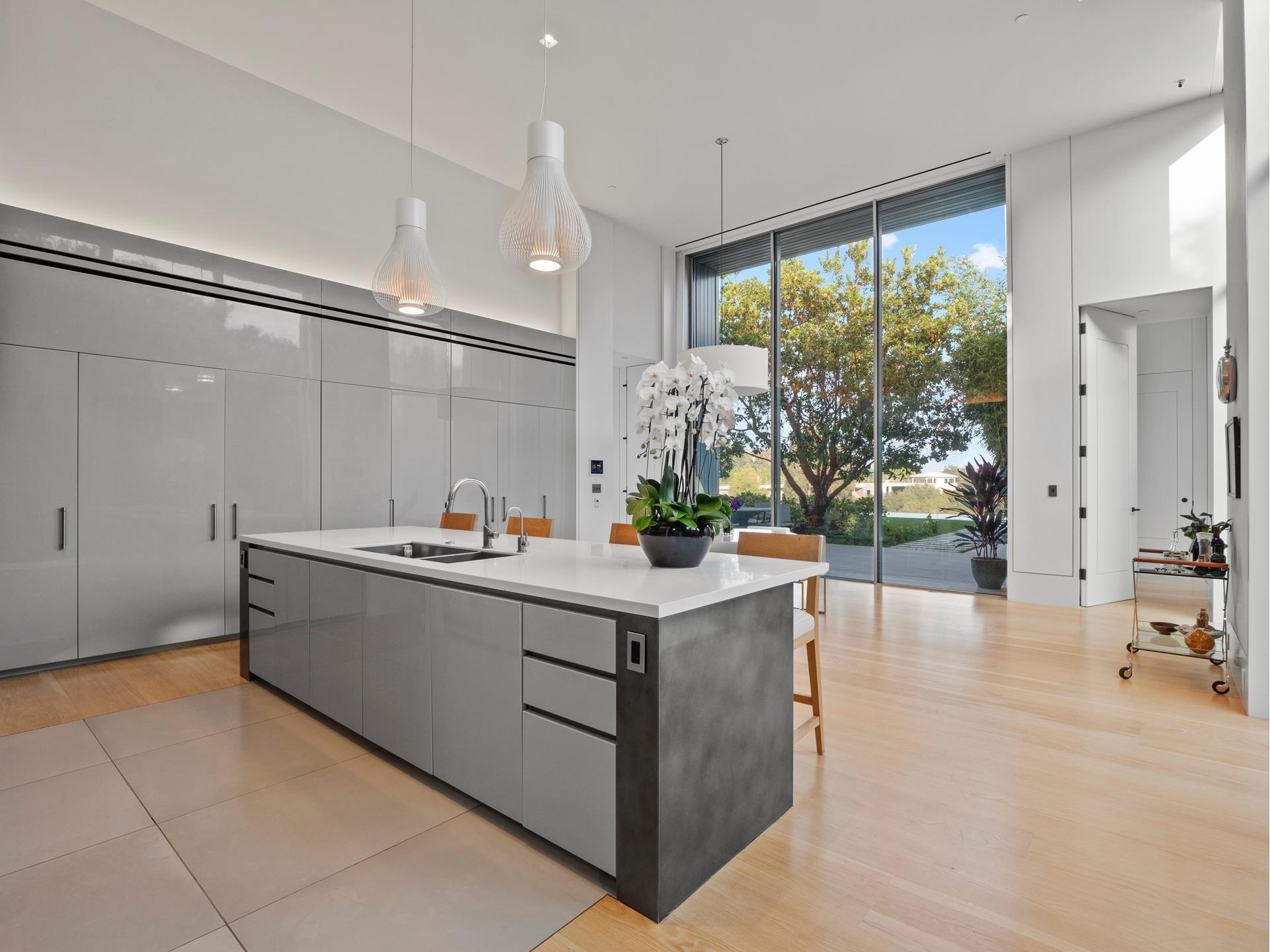 18. Single Family Homes для того Продажа на Bel Air, Лос-Анджелес, CA 90077